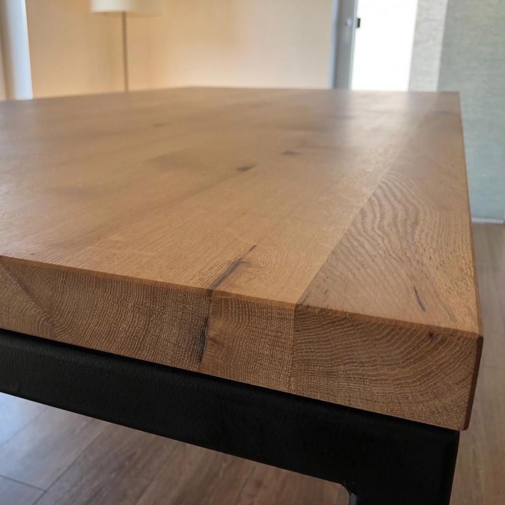 Tisch Eiche und schwarzer Stahl